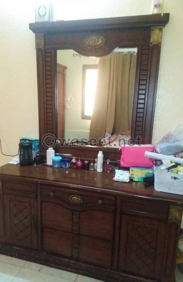 غرفة نوم و جلسة عربية للبيع