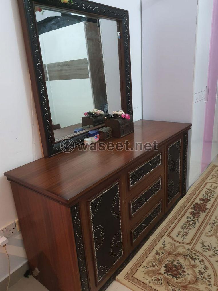 غرفة نوم مستعملة 4 قطع للبيع