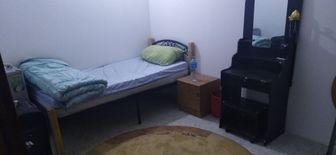 room for rent in quiet apartment khalifa street