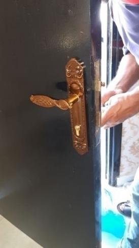 فتح الأبواب المغلقة بدون تكسير
