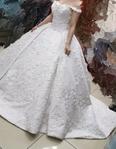 فستان زفاف للبيع مع الطرحة 2
