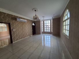 Villa for rent Al Rawda Ajman 70 thousand