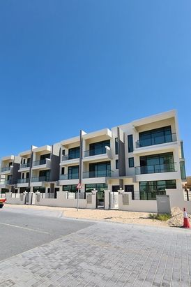 Villa for sale in jvc three floors and elevator