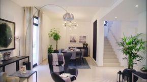 فيلا منفصلة 5 غرف نوم وصالة في الشارقة على بعد 3 كم من الخوانيج في دبي  قرب شارع الإمارات