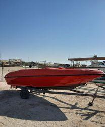قارب جديد 18 قدم بدون محرك