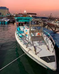 » قارب للرحلات البحرية