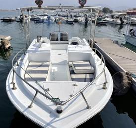 قارب نزهه 23 قدم