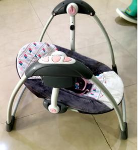 كرسي أطفال هزاز للبيع