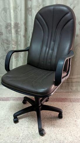 كرسي مدير ظهر عالي هيدروليكي