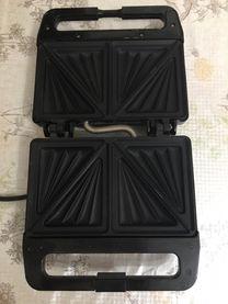 للبيع (sandwich Toaster) صناعة المانى الوحيد بمص 800 وات...