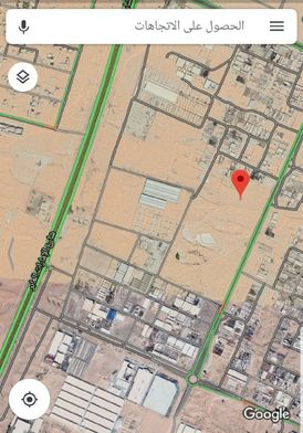 للإيجار أو الاستثمار أرض في الشارقه الصجعة على المدى الطويل على شارع رئيسي