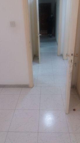 للايجار غرفتين وصاله في ابوظبي شارع المرور
