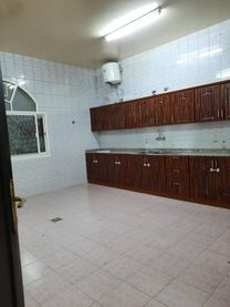Villa for rent 2 floors in a fancy complex in Al Ain