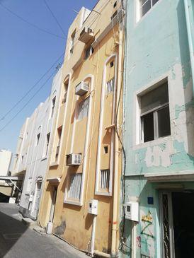 للبيع بناية سكنية في البسيتين