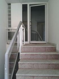 شقة دوبلكس بالهلالية مع حديقتها للمقايضة بأرض او بيت مستقل ف...