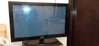 للبيع تلفاز من نوع سامسونج في حالة جيدة