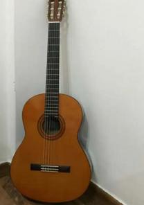 للبيع جيتار مستعمل