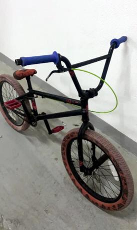 للبيع دراجة بي ام اكس