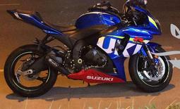 للبيع دراجة 1000cc
