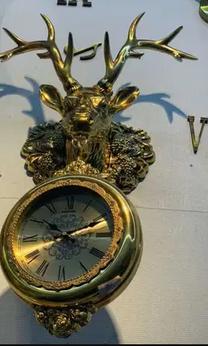 للبيع ساعة حائط غزال