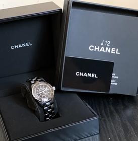 للبيع ساعة شانيل J12 H0682