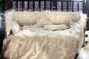 للبيع سرير اطفال و ديباج جديد ماركة فذر 1