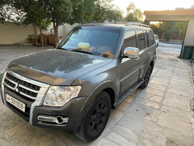 للبيع سيارة باجيرو موديل ٢٠١٤ 13
