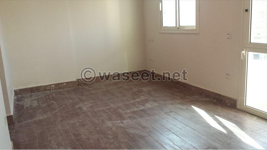للبيع شقة في المريوطية 11