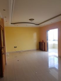 للبيع شقة في عرمون