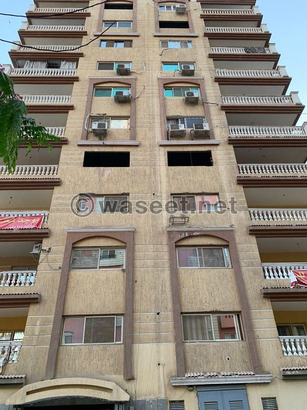 للبيع شقة متشطبة 245 م بأرض الجولف