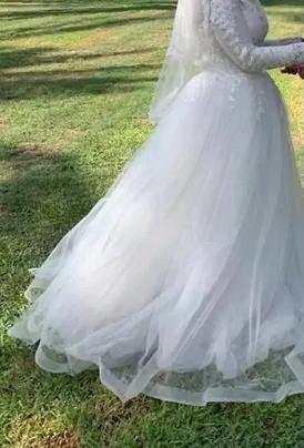 للبيع فستان عروسة جديد