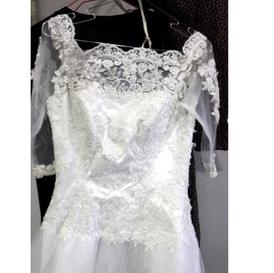 للبيع فستان عروسة للبيع
