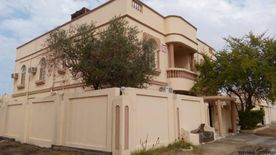 For sale a large villa in Isa Town