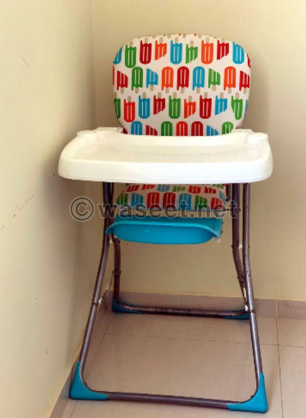 للبيع كرسي طعام طفل