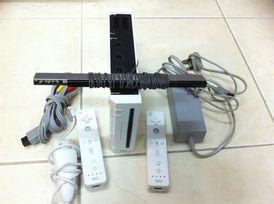 للبيع نينتندو وى Nintendo Wii مستعمل بحاله ممتازة