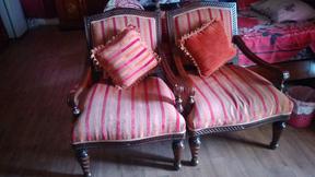 للبيع ٢ كرسي مفرد