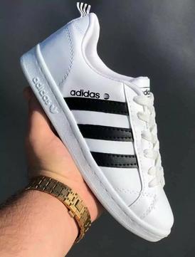 للبيع 115 حذاء رياضي