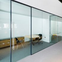 مؤسسة لاعمال الزجاج