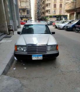 مرسيدس سي 200 للبيع 1986