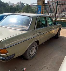 مرسيدس سي 200 موديل 1984
