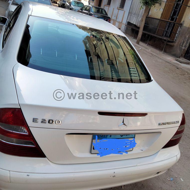 مرسيدس E200 للبيع 5