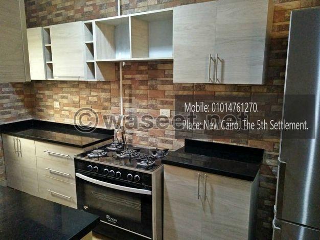 مطبخ بطبقه (أتش بي ال ) خشب تيلاندي بسعر 4200 جنيه مقاس 2.20 متر
