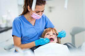 مطلوب طبيبة أسنان عربية الجنسية