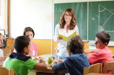 معلمة في اللغة الانجليزية