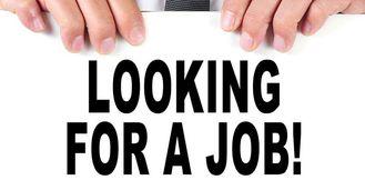 معلم لغة عربية يبحث عن عمل