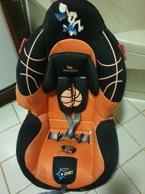 مقعد طفل للسيارة