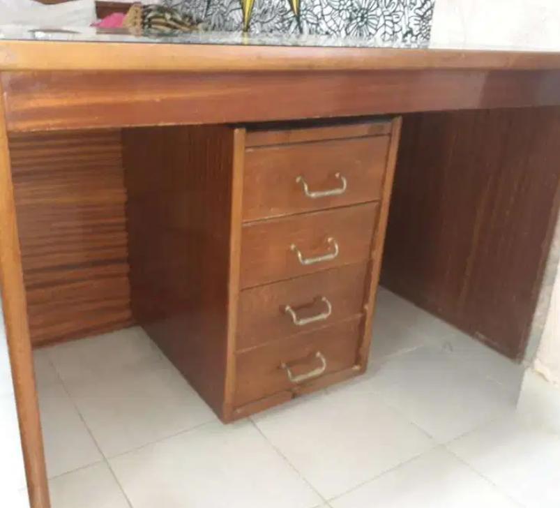 مكتب خشب للبيع