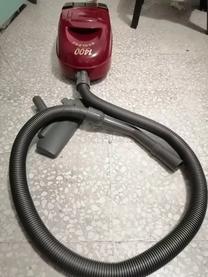 مكنسة كهربائية