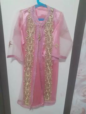 ملابس بناتية استعمال