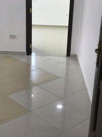 يوجد شقة غرفة وصالة نظامية للايجار بمدينة محمد بن زايد...